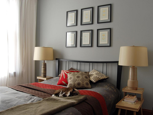 how-to-decorate-walls-with-pictures-27