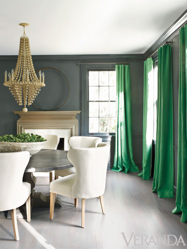pantone-color-of-the-year-emerald-green-dining-room-with-green-curtains-dark-gray-walls
