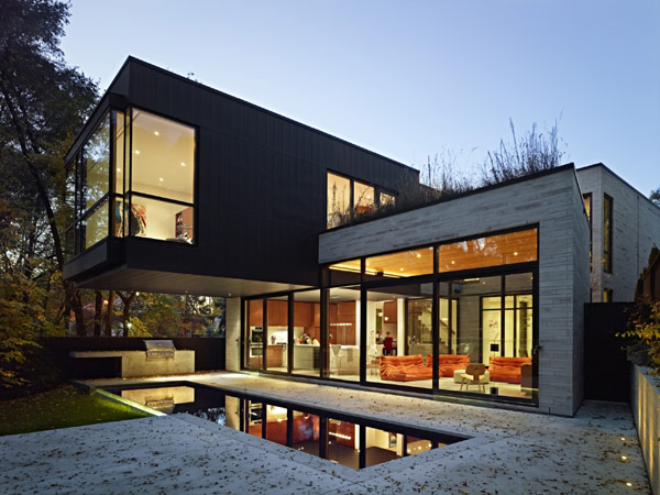 modern-Cedarvale-Ravine-House-exterior