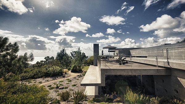 Casa-La-Atalaya-by-Alberto-Kalach-concrete-house