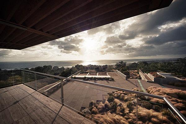 Casa-La-Atalaya-by-Alberto-Kalach-terrace-ocean-view