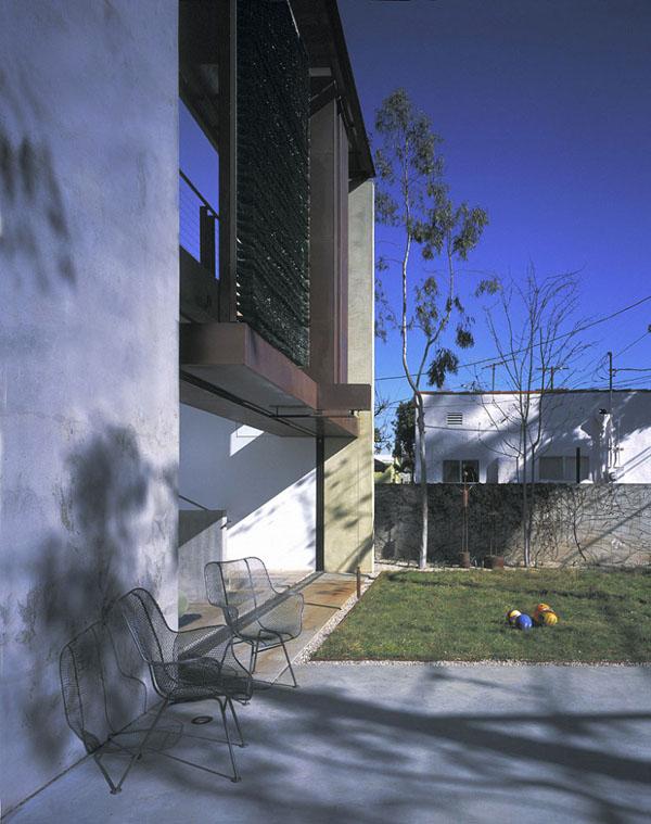 Solar-Umbrella-Residence-03