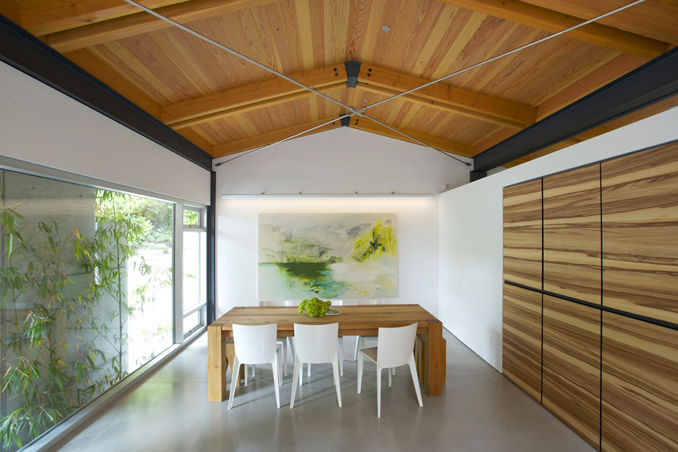 Wood-Love-Dining-Area