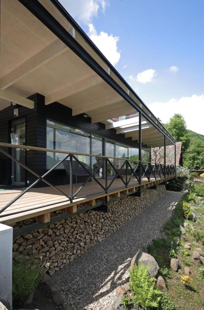 modern-family-house-7-676x1024
