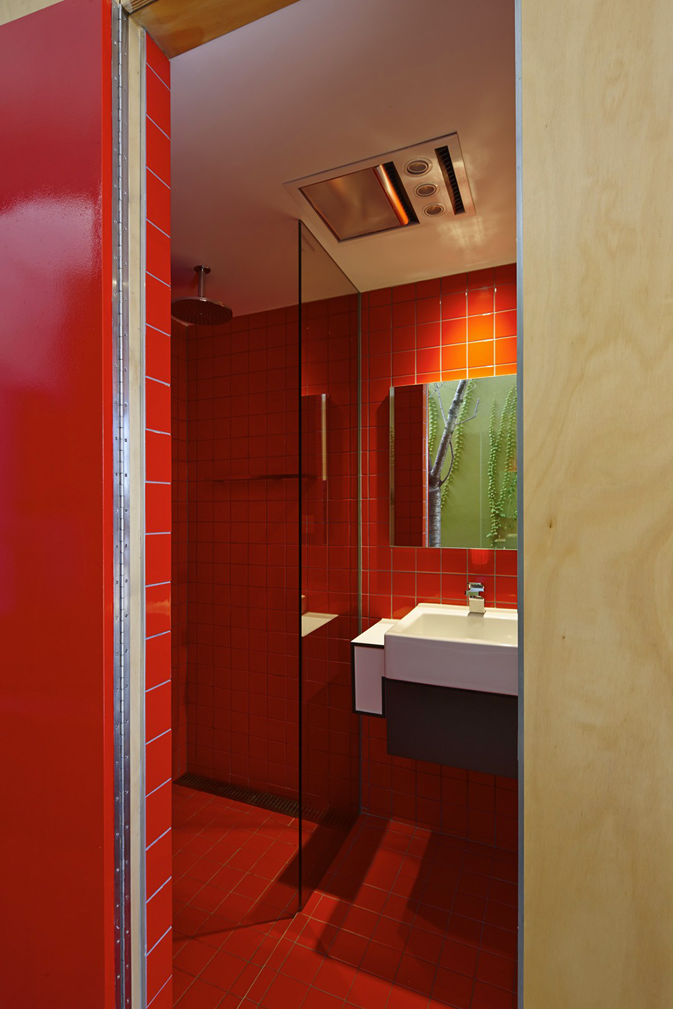 Red-bathroom