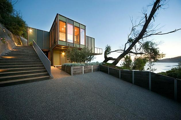 tree-shaped-house-in-separation-creek-australia-2-thumb-630x418-25442