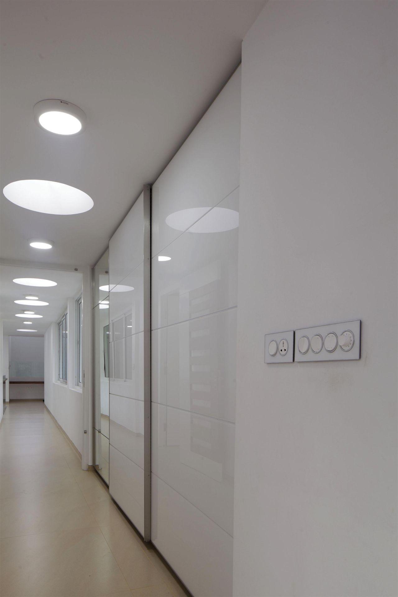 runningwallresidenceLIJO-RENY-Architects.jpg13