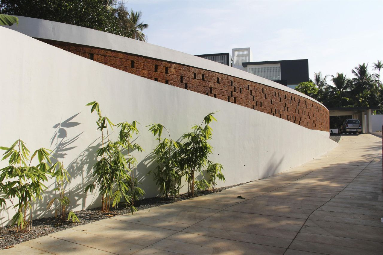 runningwallresidenceLIJO-RENY-Architects2