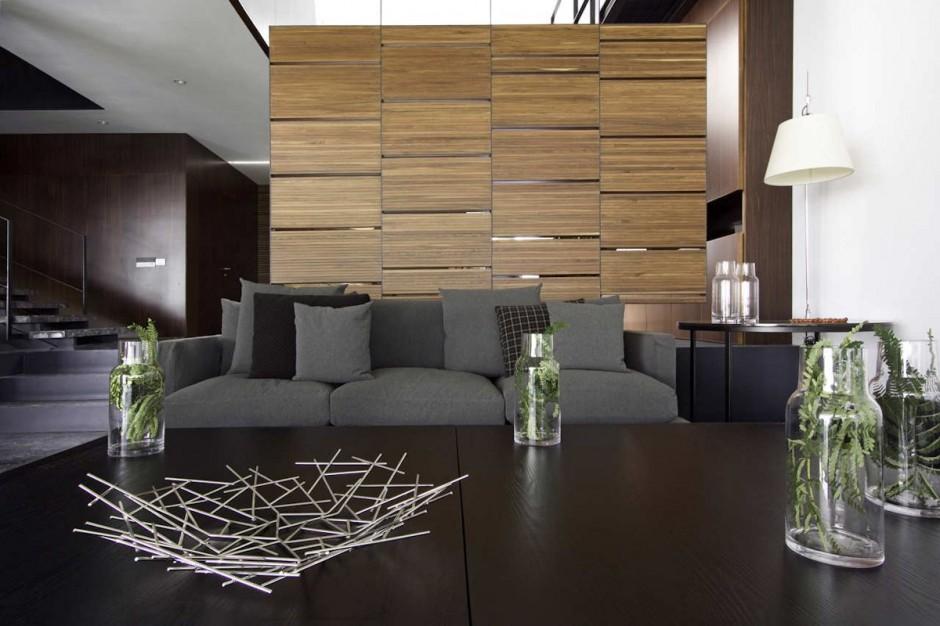 Greys-and-wooden-details-Casa-RO-in-Guadalajara