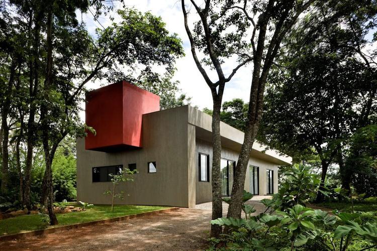 006-casa-da-caixa-vermelha-leo-romano