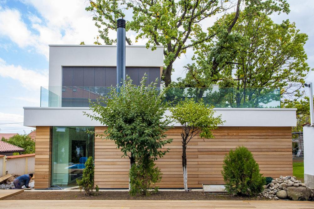2-Oaks-House-by-Ostrev-Baylov-Ignatov-Architects-1