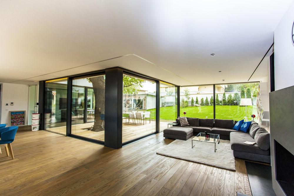 2-Oaks-House-by-Ostrev-Baylov-Ignatov-Architects-3