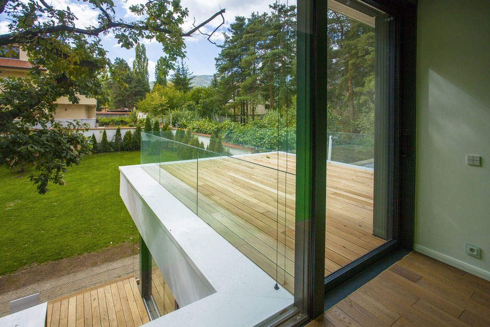 2-Oaks-House-by-Ostrev-Baylov-Ignatov-Architects-6