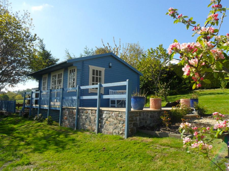 pembrokeshire-log-cabin-1