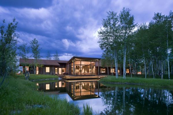 Beautiful-Lake-House