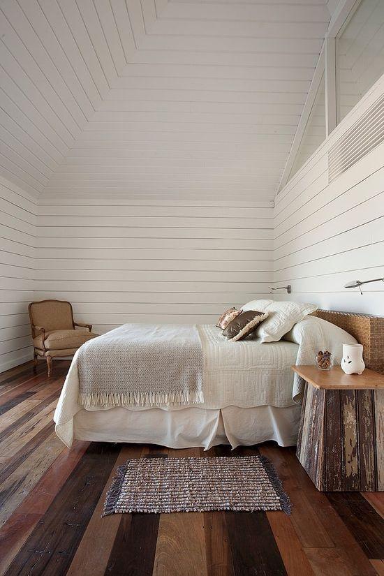 ตกแต่งห้องนอนเรียบง่ายใช้ไม้เป็นหลักในการออกแบบ
