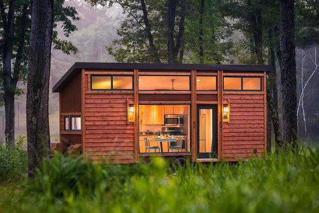tiny-home-on-trailer-escape-homes-traveler-2-facade-thumb-630xauto-54992