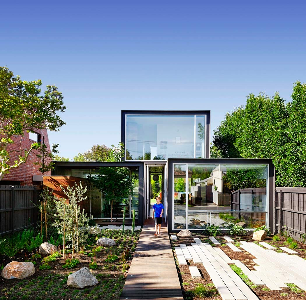 001-house-melbourne-austin-maynard-architects-1050x1027