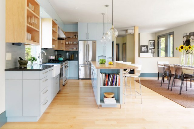 Two-storey-Medium-Contemporary-house-interior-pretty-easy-smooth-2