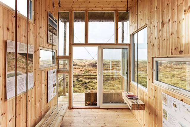 cabin-made-from-recycled-7