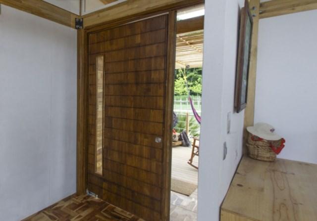 wooden-Compact-Modern-Home-7