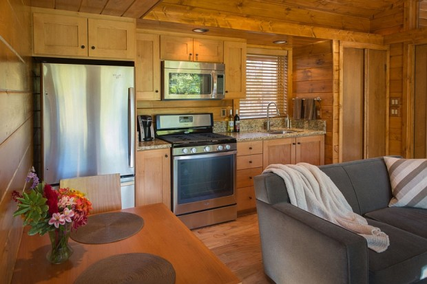 A-view-of-the-kitchen-and-dining-area-620x413