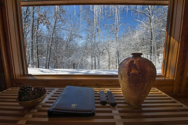 View-outside-the-ESCAPE-in-Wisconsin-620x414