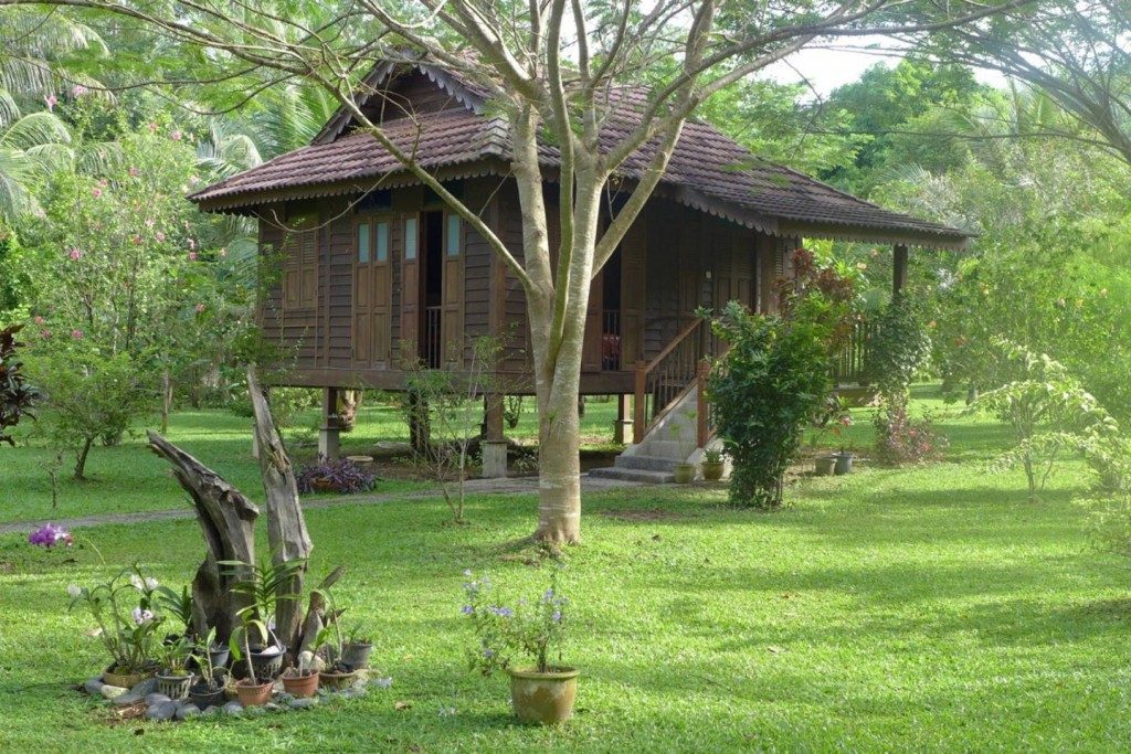 Charming-Malay-style-chalet-01-1024x683