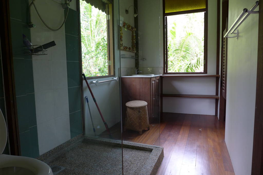 Charming-Malay-style-chalet-03