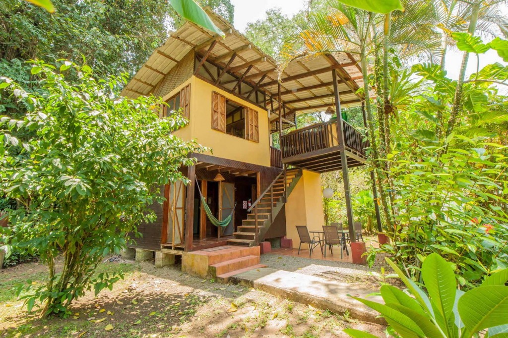 Jungle-house-for-families-01-1024x682