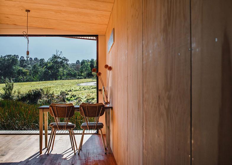 Pump-House-by-Branch-Studio-Architects_dezeen_ss_3