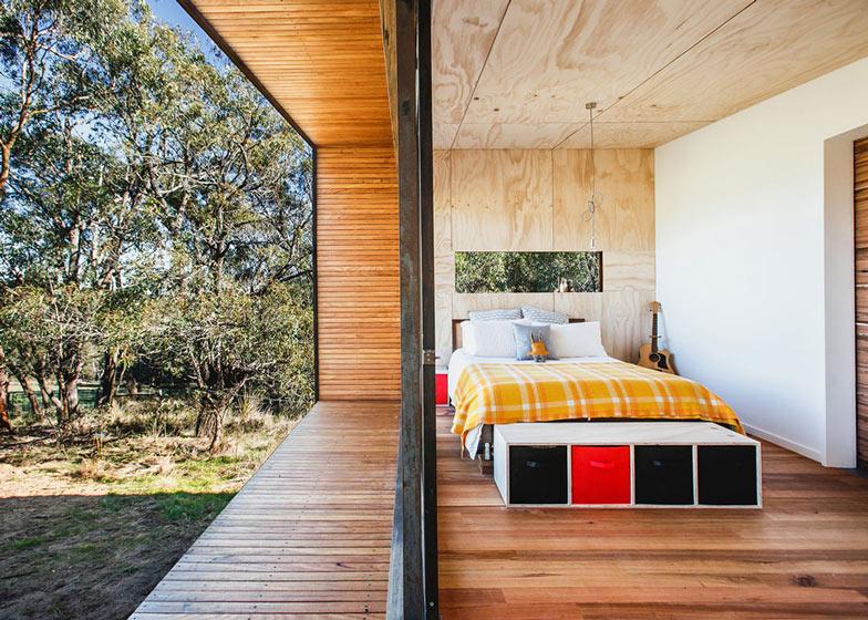 Pump-House-by-Branch-Studio-Architects_dezeen_ss_6