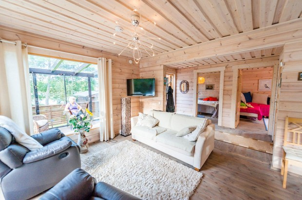 Wooden-House-in-Finland-01-620x412
