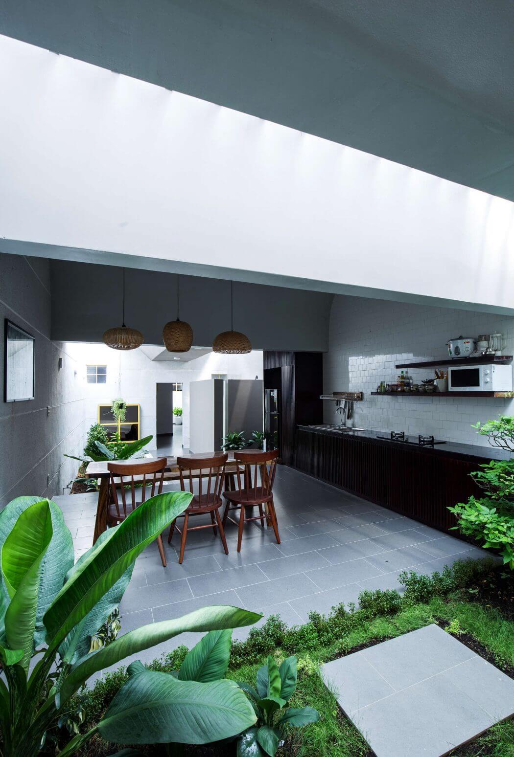 มุมมองส่วนเคาเตอร์ห้องครัว และโต๊ะรับประทานอาหาร