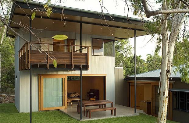 ตัวบ้านด้านหน้า ออกแบบเรียบง่าย หลังคาเพิงหมาแหงนแบบนี้ฝนอาจจะสาดได้