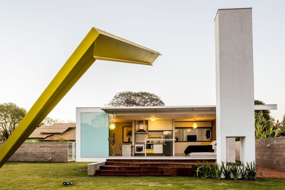 alex-nogueira-12-20-house7-via-smallhousebliss