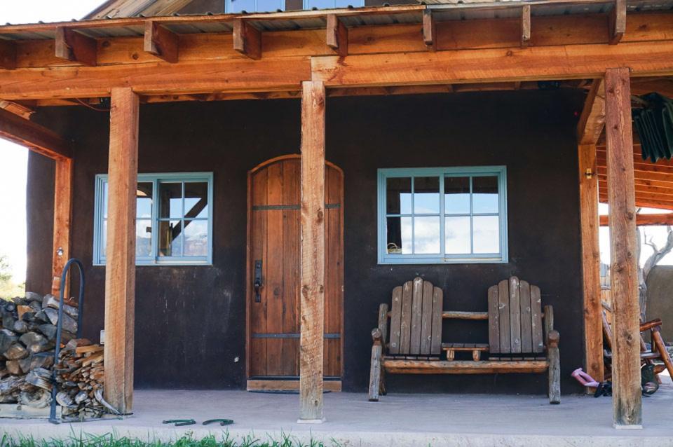 small-straw-bale-house-in-colorado-exterior6-via-smallhousebliss