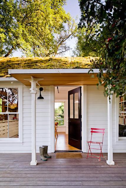 ประตูทางเข้าบ้านไม้