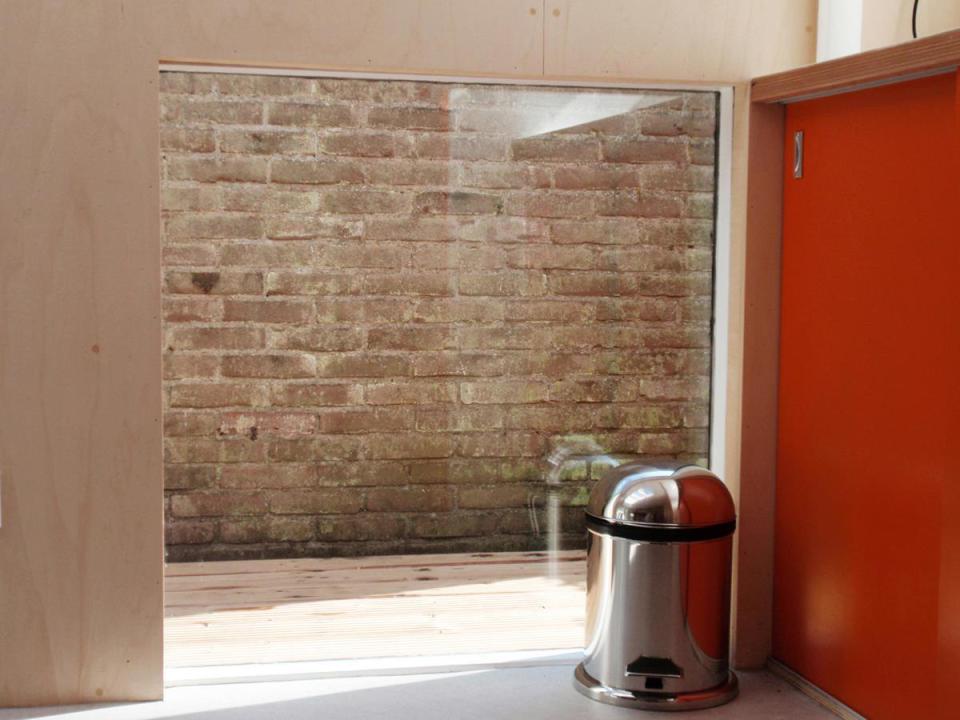 smallhousebliss-bloot-garden-pavilion-low-window