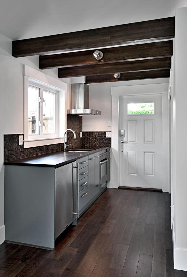 smallworks-elegant-cottage-kitchen1-via-smallhousebliss